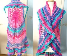 Crochet Blusas Design Crochet bojo vest design - Crochet this Boho vest, Using Caron Cakes by Yarnspirations I designed this fun and colorful Boho vest. Woman Size, and It is also available in a Plus size. Boho Crochet Patterns, Crochet Vest Pattern, Crochet Jacket, Crochet Cardigan, Crochet Shawl, Crochet Vests, Free Crochet, Crochet Sweaters, Crochet Tops
