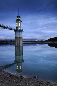 ✯ Pantano de Cubillas Lighthouse at Sunset