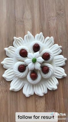 Food Crafts, Diy Food, Fondant Flower Tutorial, Plaster Crafts, Pastry Design, Bread Art, Clay Wall Art, Lime Cake, Food Carving
