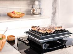 The high powered Downtown Grill Electric Hibachi replicates outdoor grilling right on the kitchen countertop. Still, you probably want to use it under a range hood. Indoor Outdoor Grill, Indoor Electric Grill, Outdoor Grilling, George Foreman, Barbecue, Best Portable Grill, Grill Stand, Hibachi Grill, Small Grill