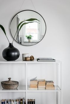 Style and Create - Inspiring decor & details Scandinavian Living, Scandinavian Interior, Living Room Images, Living Spaces, Ikea Vittsjo, Bookshelves In Living Room, Hm Home, Interior Decorating, Interior Design