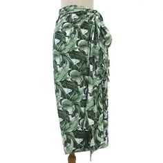 Buy Rayon sarong, 'Plains of Paradise in Green' today. Shop unique, award-winning Artisan treasures by UNICEF Market. Linen Dresses, Beach Dresses, Emo Fashion, Gothic Fashion, Female Pirate Costume, Pirate Costumes, Charity Gifts, Batik Art, Medieval Gown