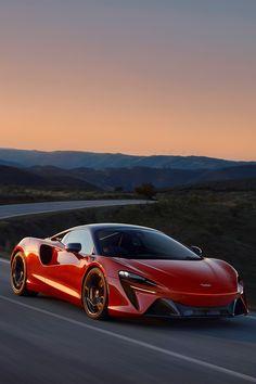 2022 McLaren Artura Sports Car Wallpaper
