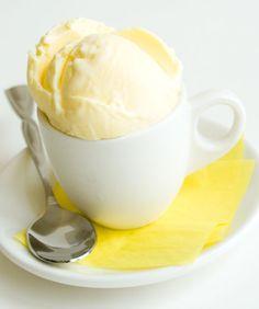 Ginger Ice Cream - I now want an ice cream maker! Custard Recipes, Yogurt Recipes, Milk Recipes, Ice Cream Recipes, Sweet Recipes, Dessert Recipes, Frozen Desserts, Frozen Treats, Just Desserts
