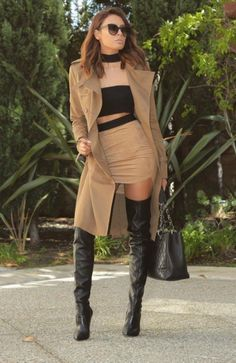 Best Garden Decorations Tips and Tricks You Need to Know - Modern Brown Knee High Boots, Thigh High Boots Heels, High Leather Boots, Stiletto Boots, Sexy Boots, Black Boots, Sexy Stiefel, Winter Boots Outfits, Dress With Boots