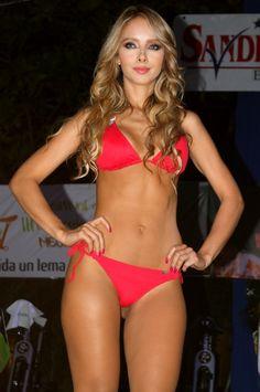 Desfile St Even - Chamela Medellín - Modelo St Even Bikini Triangular Rojo