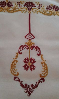 This Pin was discovered by Fil Cross Stitch Borders, Cross Stitch Rose, Cross Stitch Designs, Cross Stitch Embroidery, Cross Stitch Patterns, Diy Embroidery Patterns, Palestinian Embroidery, Prayer Rug, Tapestry Crochet