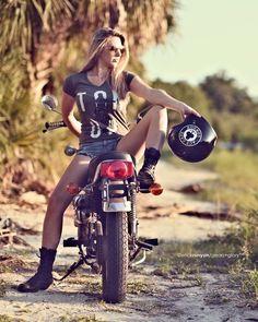 Related posts:leather goods and motorcyclesMoto Ladythe girl near the bike Lady Biker, Biker Girl, Motard Sexy, Moto Biker, Scooter Moto, Chicks On Bikes, Cafe Racer Girl, Motorbike Girl, N Girls