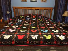 White head on black patch, yellow blocks and red polka dot lines in between Mickey Mouse Quilt, Mickey Mouse House, Disney Quilt, Disney Fabric, Disney Diy, Disney Crafts, Disney Decorations, Disney Applique, Quilted Baby Blanket