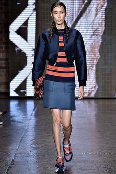 DKNY Spring 2015 Ready-to-Wear Fashion Show - Dylan Xue