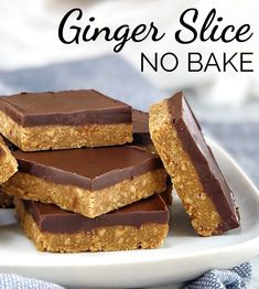 This no bake ginger slice recipe (ginger bars) makes the perfect afternoon tea time (or any time) treat! Warming ginger and dark chocolate make a fabulous combination. Also a great recipe for the kids to help with. Tray Bake Recipes, Baking Recipes, Cake Recipes, Dessert Recipes, Tea Recipes, Drink Recipes, No Bake Slices, Cake Slices, Peanut Butter Slice