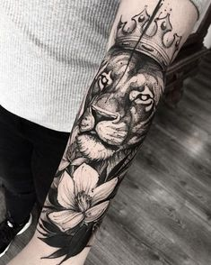 crazy bw lioness halfsleeve tattoo by @brunosantostattoo