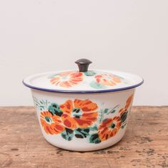 Pot emaillé fleuri Pots, Nice, Floral, Jars, Pottery, Nice France, Flower Planters