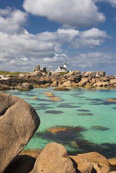 Pointe De Pontusval Lighthouse, Brittany, France