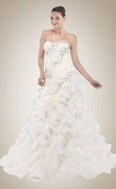 Luxurious Sweetheart Pleated and Ruffled Wedding Gown