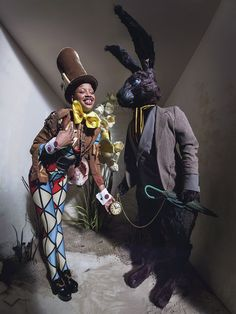 Slick Woods as The Madhatter photographed by Tim Walker for the 'Alice in Wonderland' themed 2018 Pirelli calendar. Styled by Edward Enninful. Dormouse Alice In Wonderland, Artistic Photography, Fashion Photography, Tim Burton, Pirelli Calendar, Calendar 2018, Fashion Art, Editorial Fashion, Tim Walker Photography