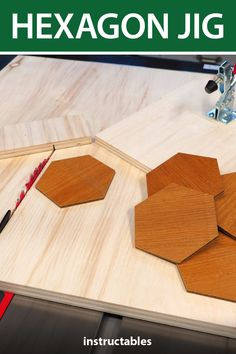 Hexagon Jig There are several ways to cut a hexagon out of wood You could use a table saw with a miter gauge, a band saw, miter saw, and so on When you want to batch out several hexagons and make them all the exact same, it can get tricky That's why Woodworking Patterns, Woodworking Techniques, Easy Woodworking Projects, Diy Wood Projects, Fine Woodworking, Wood Crafts, Woodworking Furniture, Woodworking Accessories, Router Woodworking
