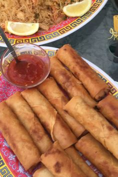Lumpia Recipe Filipino, Filipino Recipes, Asian Recipes, Ethnic Recipes, Filipino Egg Rolls, Filipino Appetizers, Asian Foods, Comida Filipina, Chicken Spring Rolls