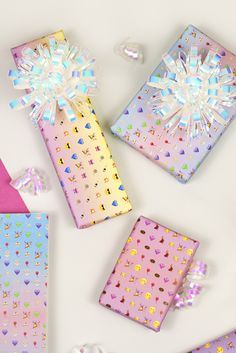 Free Printable: Emoji Wrapping Paper. Use for gifts, party DIYs and oh so cute Envelope Liners!