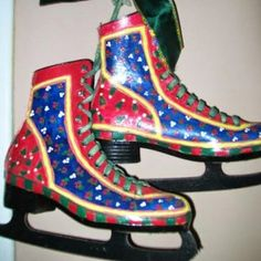 Painted skates as Christmas decoration