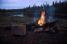 Campfire Nightscene by Teemu Tretjakov