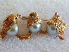 VINTAGE 18K GOLD BROOCH w 3 GENUINE BAROQUE PEARL BIRDS 6 CEYLON SAPPHIRE EYES, BIN $1795
