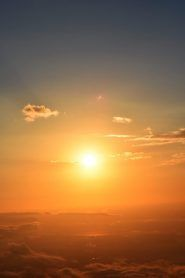 Canigou  un lever de soleil au sommet du géant Catalan