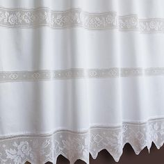 Beautiful curtain made on pure cotton on thread crochet, available on white and ecrù coloured suitable for fixing glass. The design depicts many roses on the center and on the flounce made by hand. Thread Crochet, Filet Crochet, Crochet Lace, Crochet Curtains, Beautiful Curtains, Linens And Lace, Ecru Color, Cotton Lace, Plant Hanger