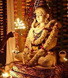 Daridraya Dukha Dahana Shiva Stotram 7 times - Prayer to Shiva to Burn Poverty - with Subtitles Shiva Stotram, Rudra Shiva, Shiva Parvati Images, Shiva Linga, Aghori Shiva, Lord Shiva Statue, Lord Shiva Pics, Lord Shiva Hd Images, Lord Shiva Family
