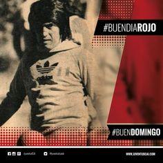 """#BuenDiaRojo #BuenDomingo! Domingo para descansar! La Foto: Galván haciendo """"jueguitos"""" con la famosa pelota """"pulpo"""""""