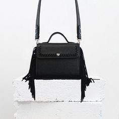 SAC À FRANGES CALVI - CUIR NOIR & DAIM – LE PETIT CARTEL Collection Capsule, Fashion Backpack, Kate Spade, Backpacks, Fallow Deer, Black Leather, Backpack, Backpacking