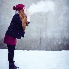 Mit Schnee kann man auch ein bisschen kreativ werden haha Habt ihr schon mal ein Schnee Shooting gehabt? (P.S.: Ich bin sehr froh dass momentan die Sonne scheint und kein Schnee liegt!) . . . . #Luxundpoppy #blog #blogger #blogging #germanblogger #berlinblog #ontheblog #lifestyleblog #lifestyleblogger #makesomething #creativelife #createeveryday #thatsdarling #makersgonnamake #creativelifehappylife #creativeentrepeneur #28DaysOfBlogging