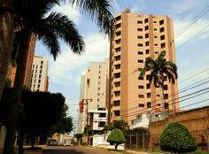 Edificio en la Avenida el Milagro en Maracaibo, Venezuela.