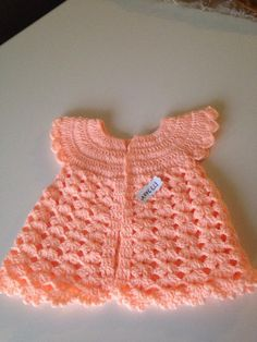 Häkeln Sie Baby Weste – Esin Saruhan – Join the world of pin Lace Toddler Dress, Girls Knitted Dress, Baby Dress, Baby Girl Crochet, Crochet For Kids, Baby Knitting Patterns, Baby Patterns, Baby Christening Dress, Crochet Wedding Dresses