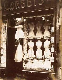 Eugène Atge - магазин корсетов, 1912 год Париж