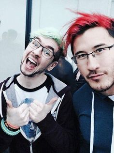 JUST LOOK AT THESE GOOBERS! Does ANYONE know why they are in New York? It's not IndyPopCon, I know that. IM SO CONFUSED DID I MISS SOMETHING?!