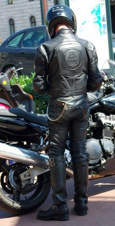 Best Motorbike, Motorcycle Men, Biker Leather, Leather Men, Mens Biker Style, Motorbike Leathers, Biker Boys, Engineer Boots, Riding Jacket