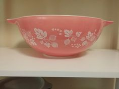 Vintage Pyrex Pink 444 Gooseberry Mixing Bowl by Dirty30Vintage