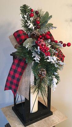 32 christmas table centerpieces to your holiday decor 13 Woodland Christmas, Country Christmas, Simple Christmas, Christmas Home, Christmas Wreaths, Christmas Crafts, Plaid Christmas, Decorating Garland For Christmas, Winter Christmas