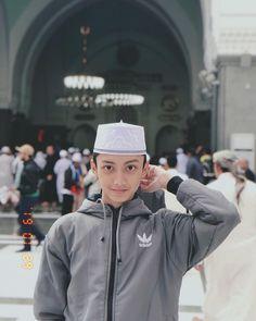 @official.azmi.askandar Happy Monster, Muslim Quotes, Tumblr Boys, My Crush, Boyfriend Material, Cute Boys, Cute Couples, Ulzzang, Islam