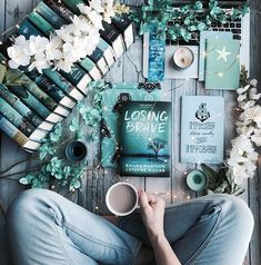 More than a year has passed since seventeen-year-old Payton Braves twin sister went missing; I Love Books, Books To Read, My Books, Flat Lay Photography, Book Photography, Book And Coffee, Book Flatlay, World Of Books, Book Aesthetic