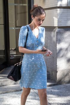 October 18: Selena out and about in New York, NY [HQs]