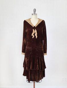 1920s Outfits, Vintage Outfits, Vintage Fashion, Antique Lace, Vintage Lace, Art Deco Dress, 1920s Dress, Flowy Skirt, Fashion History