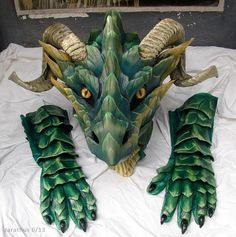 Green Dragon Mask by Chromamancer on DeviantArt Dragon Mask, Dragon Head, Diy Dragon Costume, Dragon Fursuit, Adornos Halloween, Leather Mask, Vintage Mermaid, Creative Costumes, Green Dragon