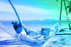 Jak pracować i podróżować w tym samym czasie? Jak zarabiać podczas podróży? Outdoor Furniture, Outdoor Decor, Yard Furniture
