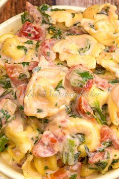 Spinach Soup Creamy Spinach and Tomato Tortellini ~ if you want a quick and tasty meal, look no further than this dish. Spinach And Tomato Tortellini, Cheese Tortellini Recipes, Roasted Tomato Pasta, Fire Roasted Tomatoes, Creamy Spinach, Spinach Pasta, Pasta Recipes, Dinner Recipes, Rice
