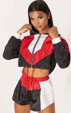 Black Colourblock Shell Suit Short in 2020 Sporty Outfits, Cute Outfits, Fashion Outfits, Women's Fashion, Pink Lady, Fox Sport, Shell Suit, Sporty Look, Two Piece Outfit