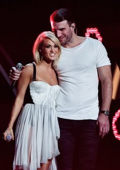 Carrie Underwood & Sam Hunt at the 2016 Grammy Awards. @blownxawayx94