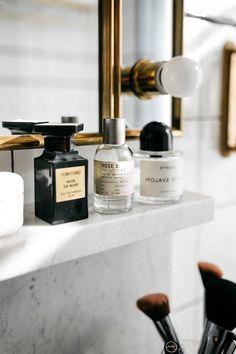Fashion Jackson Ludlow Hotel Tom Ford Parfum Le Labo Parfum Byredo Parfum - Beauty is Art Parfum Tom Ford, Scandinavian Style, Nyc, Ludlow Hotel, Parfum Rose, Perfume Display, Bathroom Images, Fashion Jackson, Perfume Collection