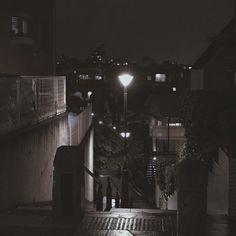 I love the night ✨ Night Aesthetic, City Aesthetic, Korean Aesthetic, Aesthetic Photo, Aesthetic Black, Tumblr Depresion, Dark Black, Dark Feeds, Arte Cyberpunk